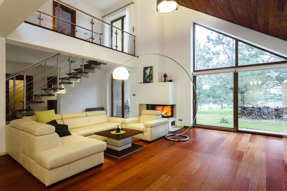 Designers house with entresol and spacious living room